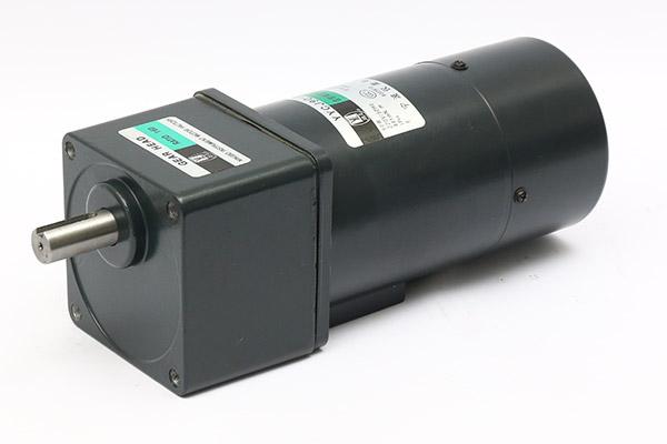 15W~120W单相附电磁刹车齿轮减速电机